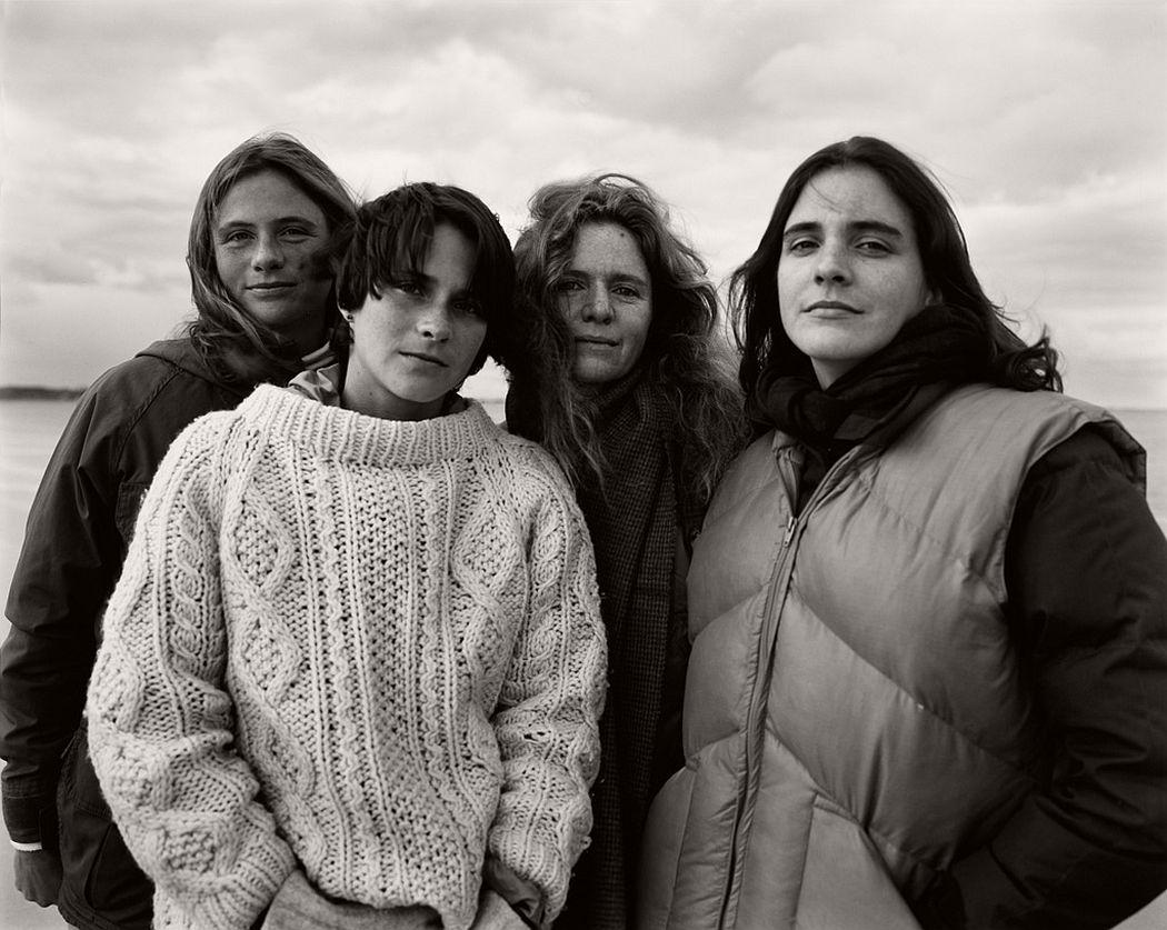 nicholas-nixon-the-brown-sisters-40-years-02