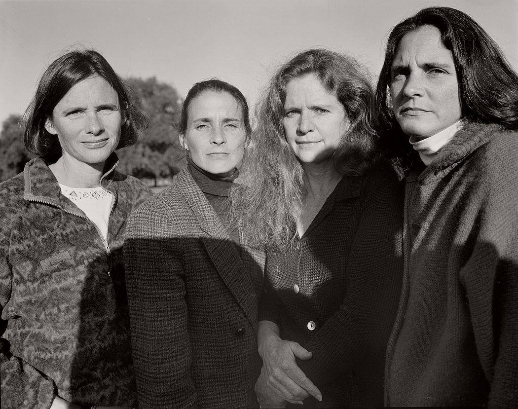 nicholas-nixon-the-brown-sisters-40-years-03