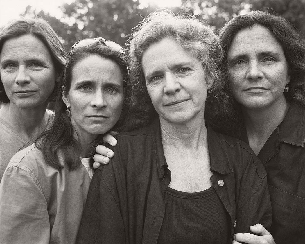 nicholas-nixon-the-brown-sisters-40-years-04