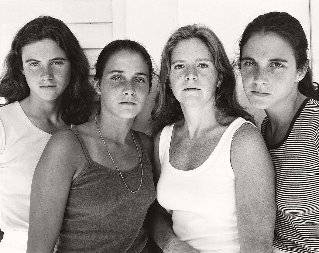 nicholas-nixon-the-brown-sisters-40-years-07