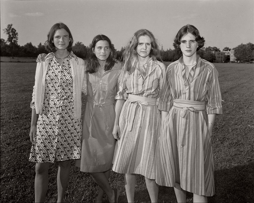 nicholas-nixon-the-brown-sisters-40-years-10
