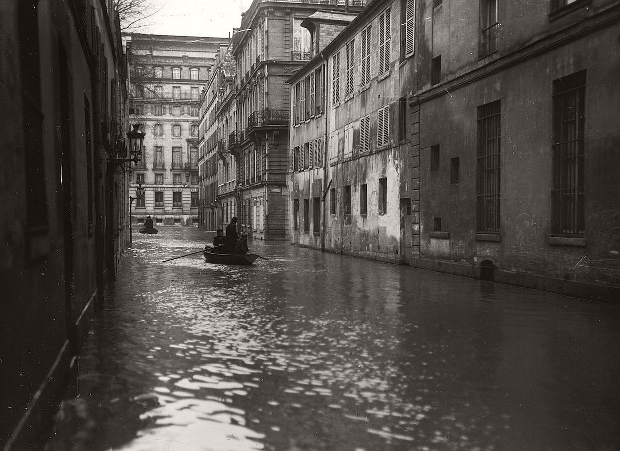 paris-underwater-great-flood-1910-03