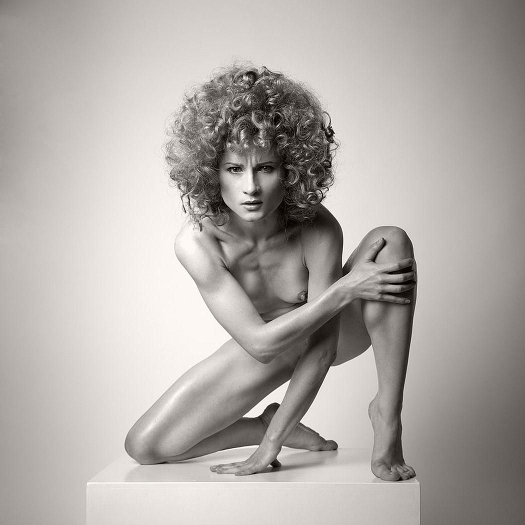 Arkadiusz-Branicki-Geometrical-Fine-Art-Nude-BW-Zodiac-01