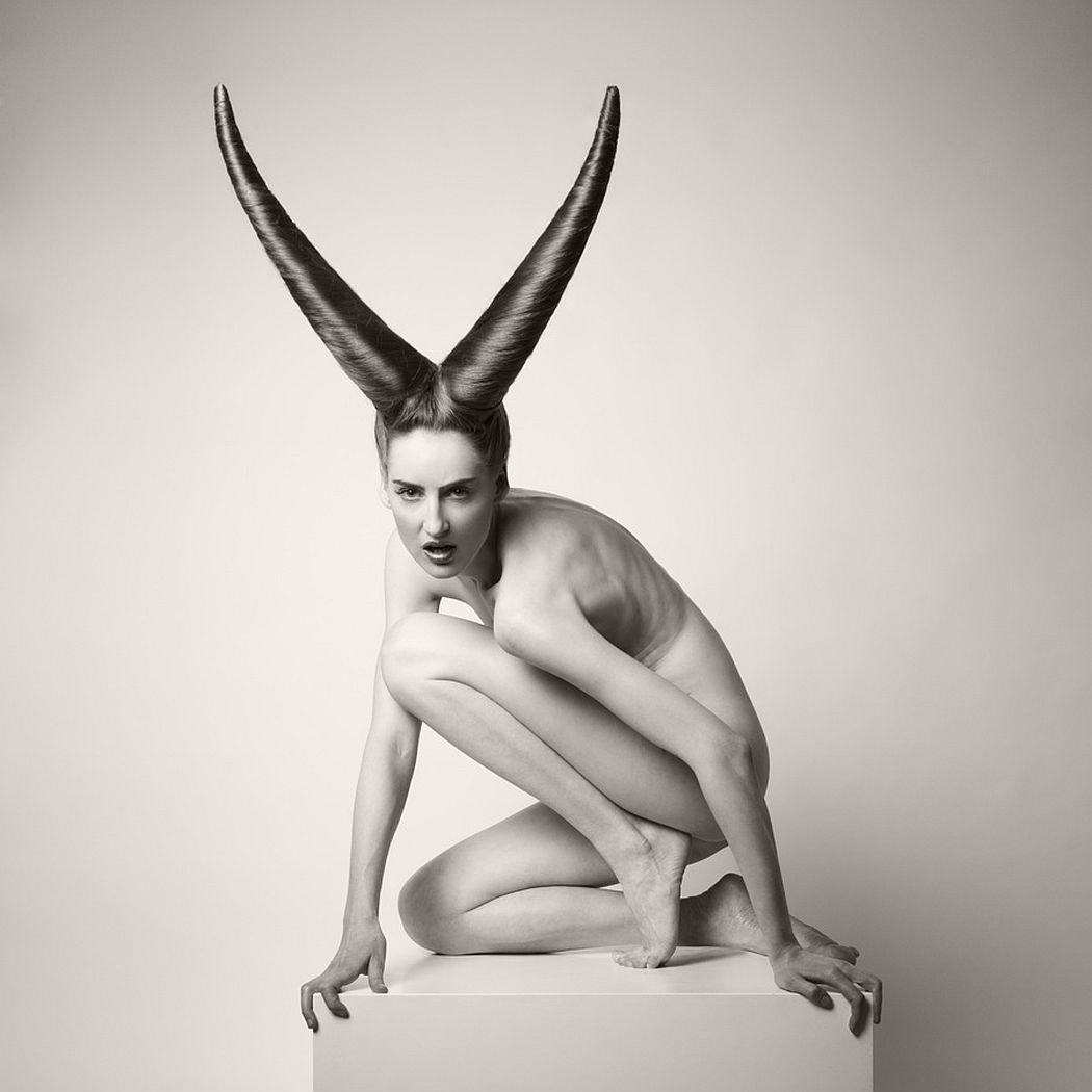 Arkadiusz-Branicki-Geometrical-Fine-Art-Nude-BW-Zodiac-05