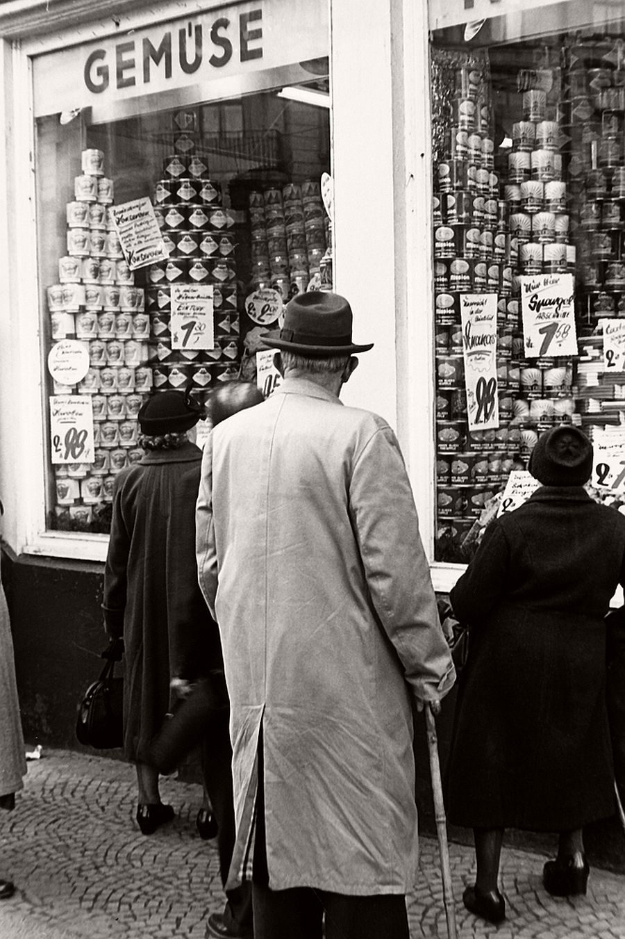 Biography city life street photographer herbert dombrowski monovisions - Gevels herbergt fotos ...