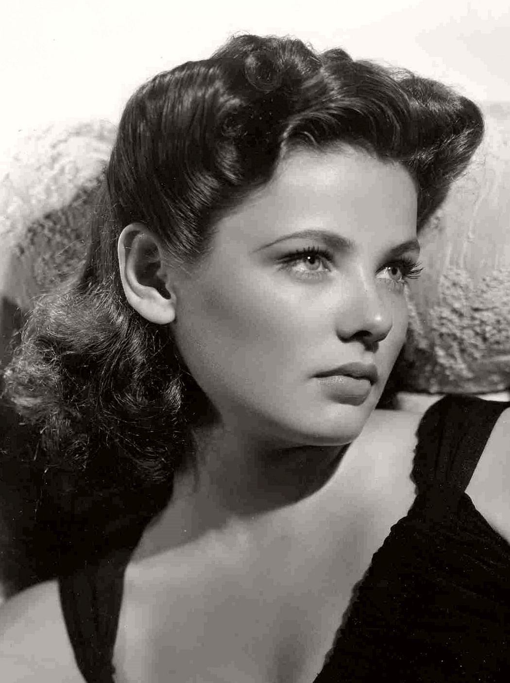 the sad tragic life of gene tierney The biography of her tragic life,  gene talked about her movie life and her life with mental illness such a sad read  i picked up self-portrait by gene tierney.