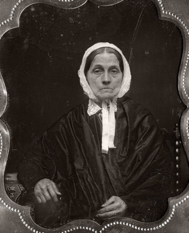 daguerreotype-portrait-ladies-born-in-the-late-18th-century-1700s-vintage-04