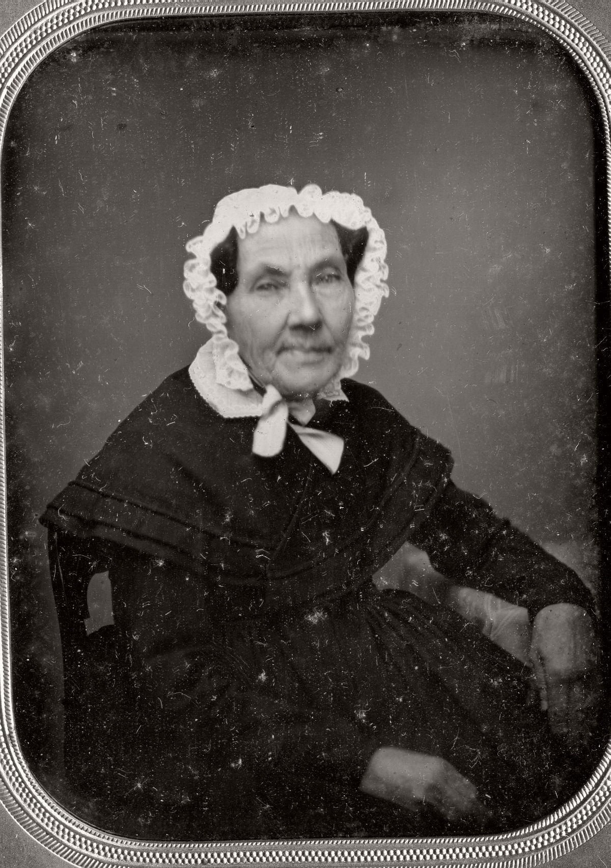 daguerreotype-portrait-ladies-born-in-the-late-18th-century-1700s-vintage-06