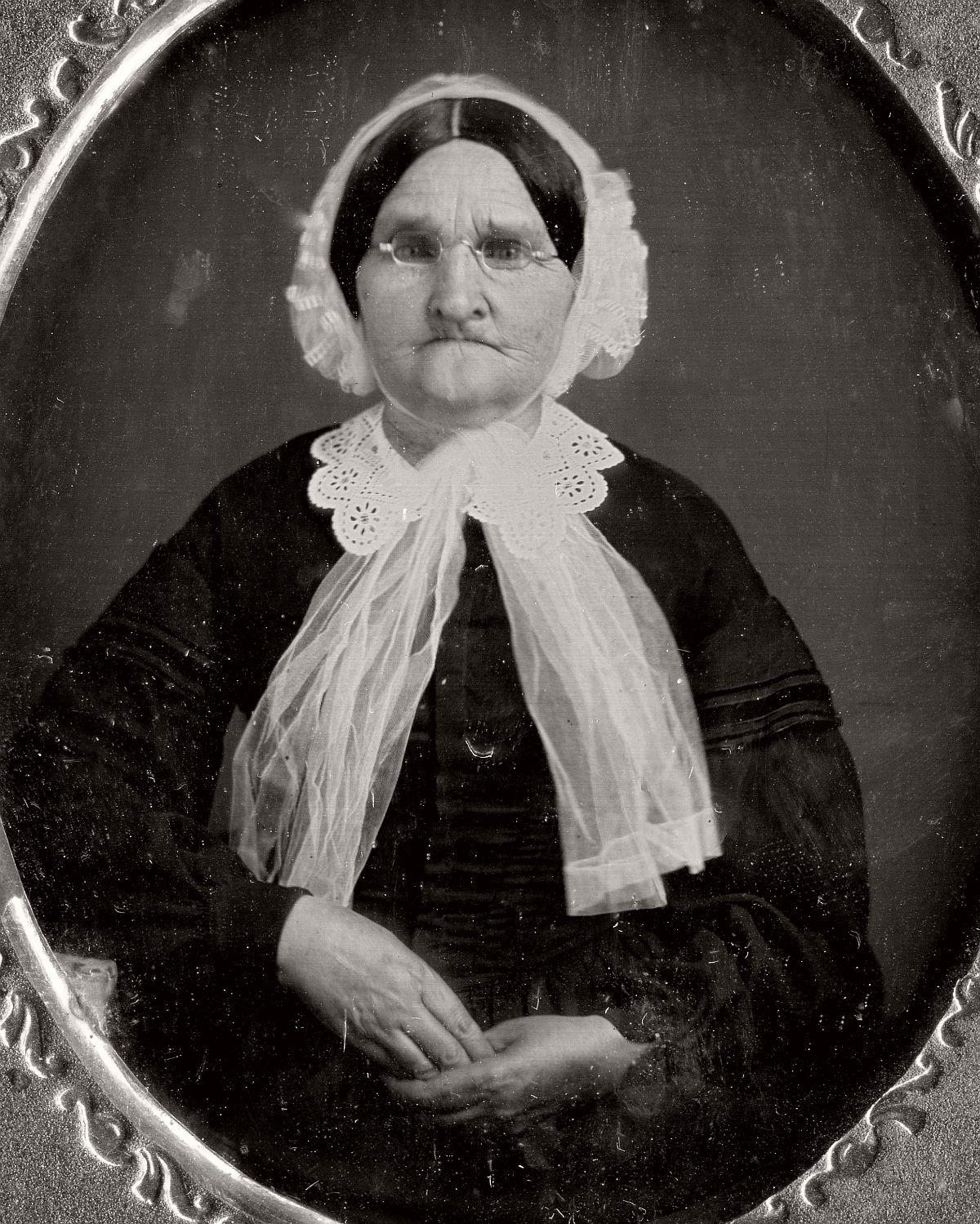 daguerreotype-portrait-ladies-born-in-the-late-18th-century-1700s-vintage-10