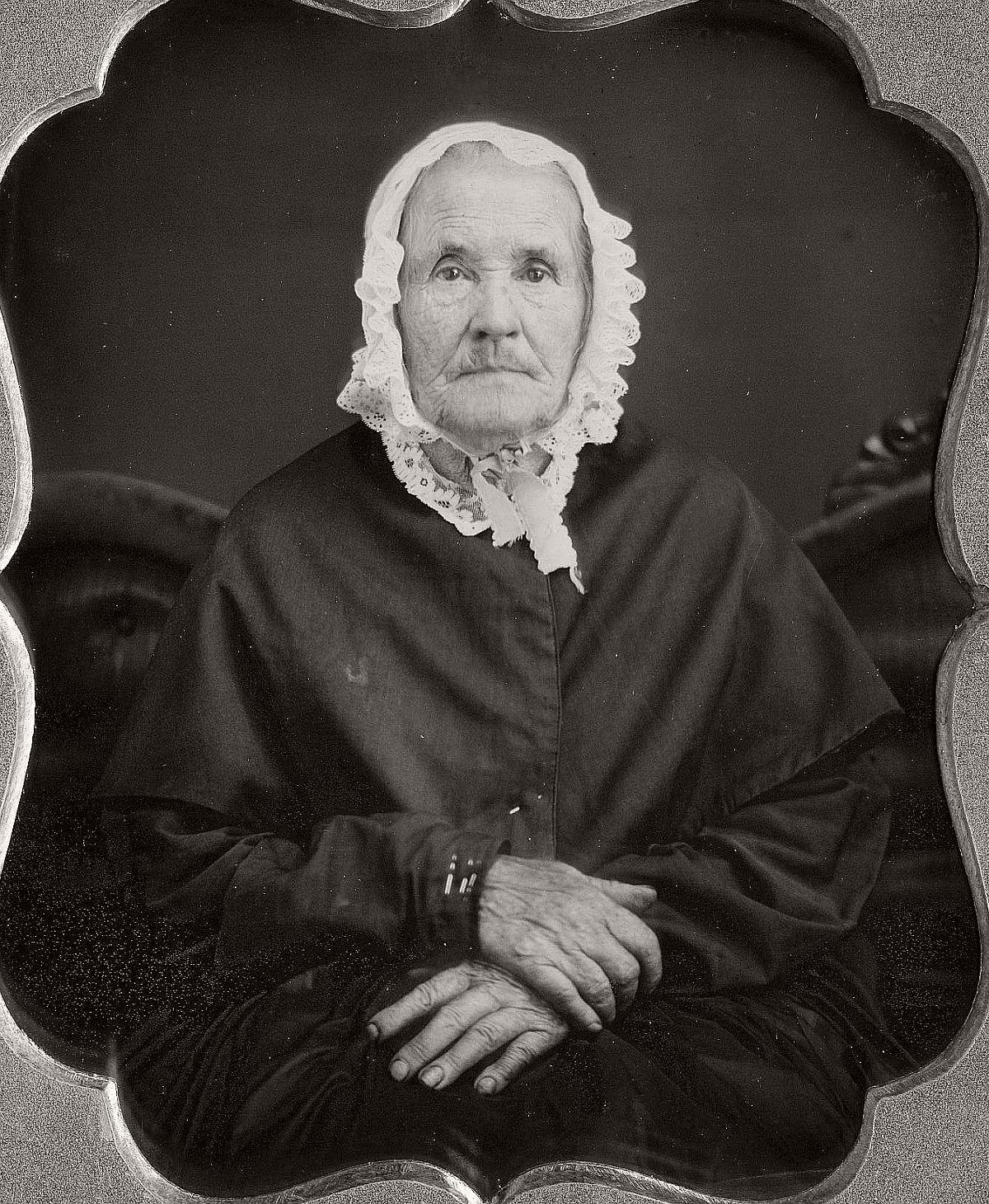 daguerreotype-portrait-ladies-born-in-the-late-18th-century-1700s-vintage-13