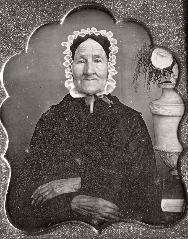 daguerreotype-portrait-ladies-born-in-the-late-18th-century-1700s-vintage-18