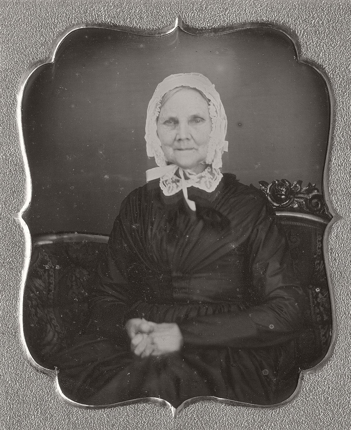 daguerreotype-portrait-ladies-born-in-the-late-18th-century-1700s-vintage-21