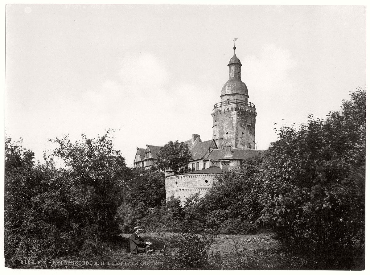 historic-bw-photo-german-Castle-Falkenstein-12