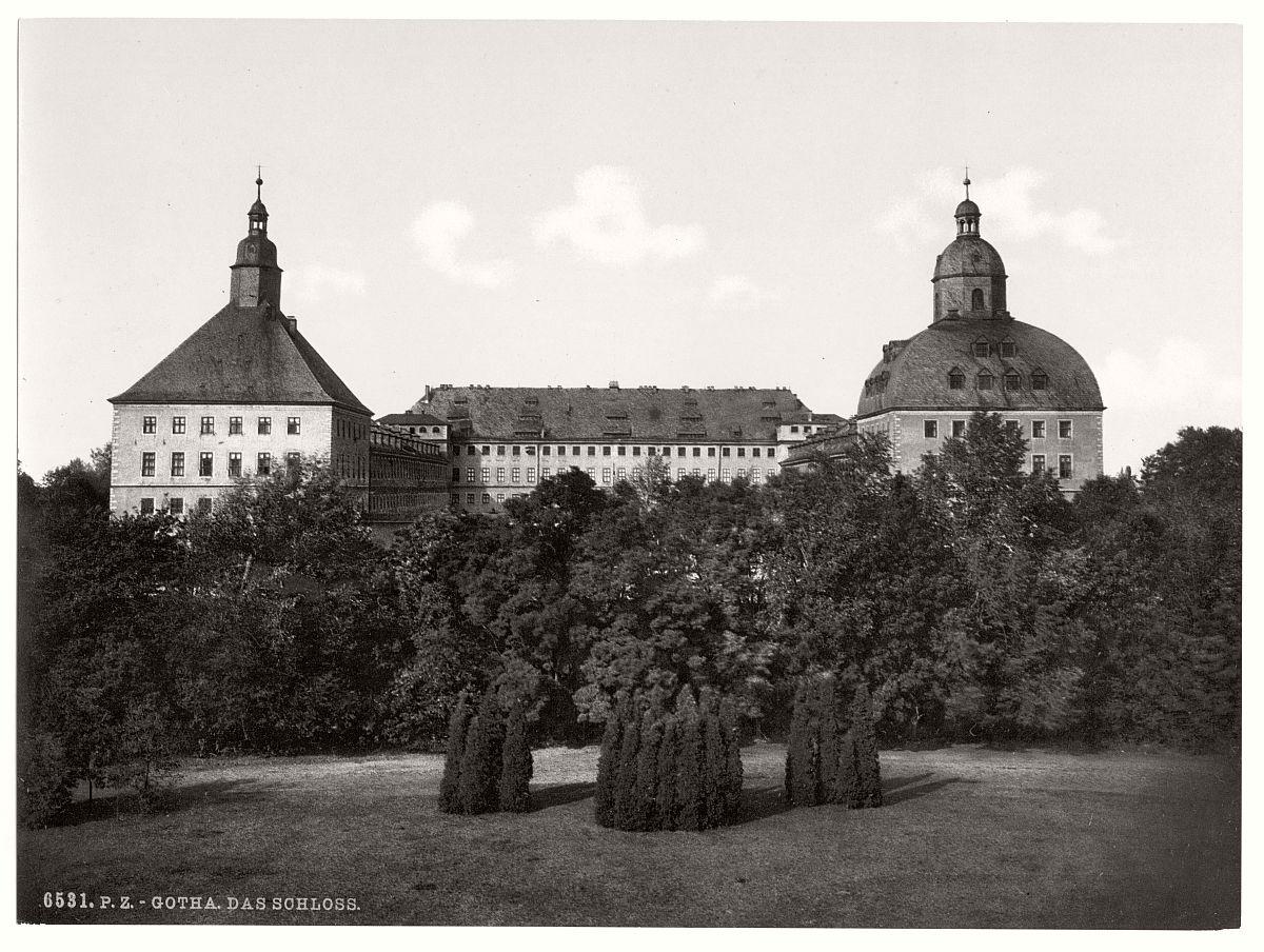 historic-bw-photo-german-Gotha-castle-15