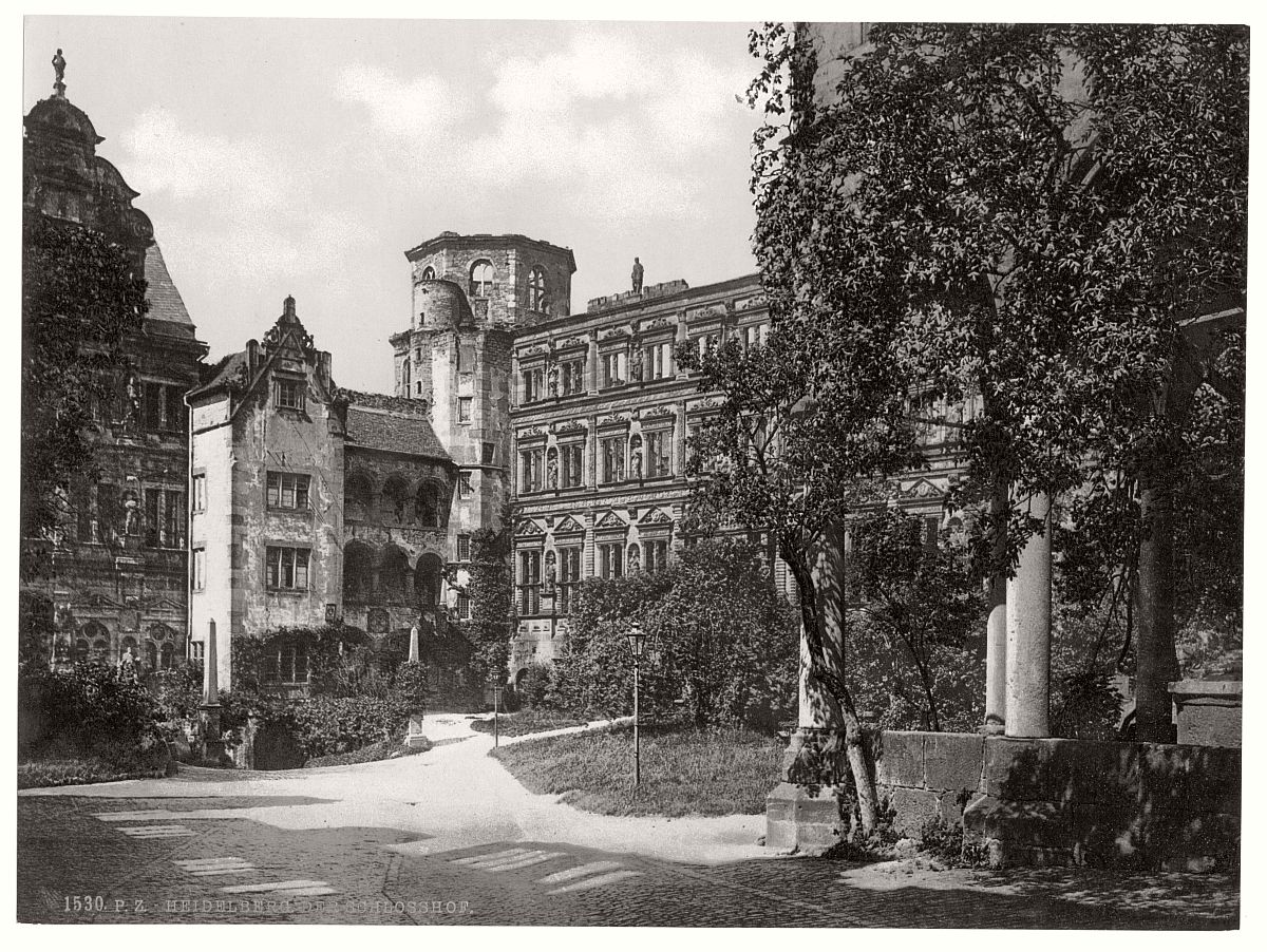 historic-bw-photo-german-Heidelberg-castle-04