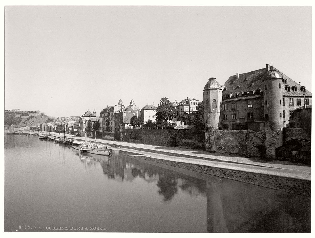 historic-bw-photo-german-Moselle-Castle-08