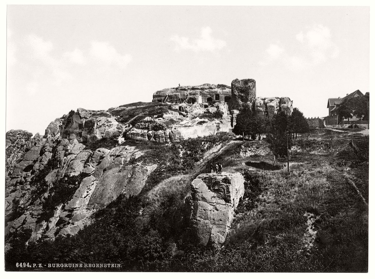 historic-bw-photo-german-Regenstein-Castle-05