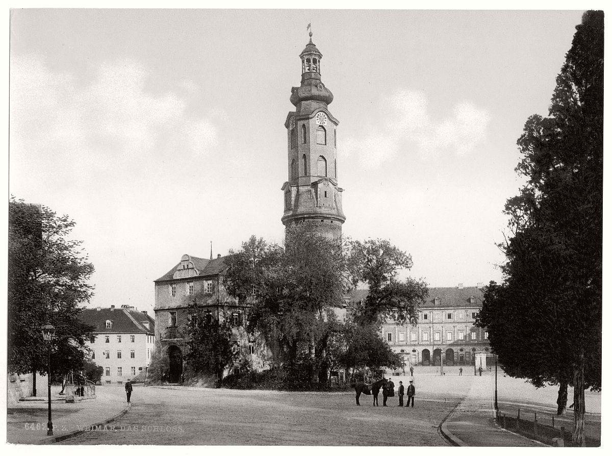 historic-bw-photo-german-Weimar-Thuringi-castle-16