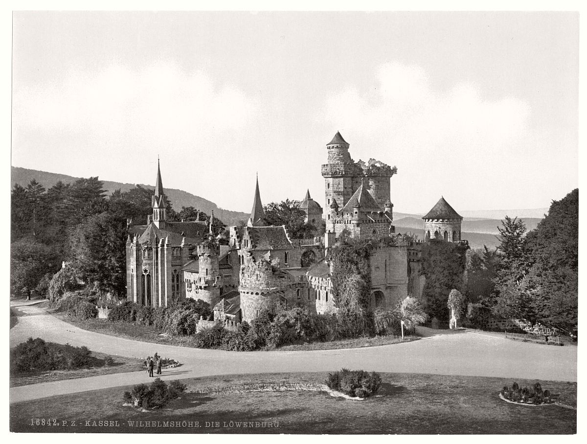 historic-bw-photo-german-Wilhelmshohe-Cassel-castle-07