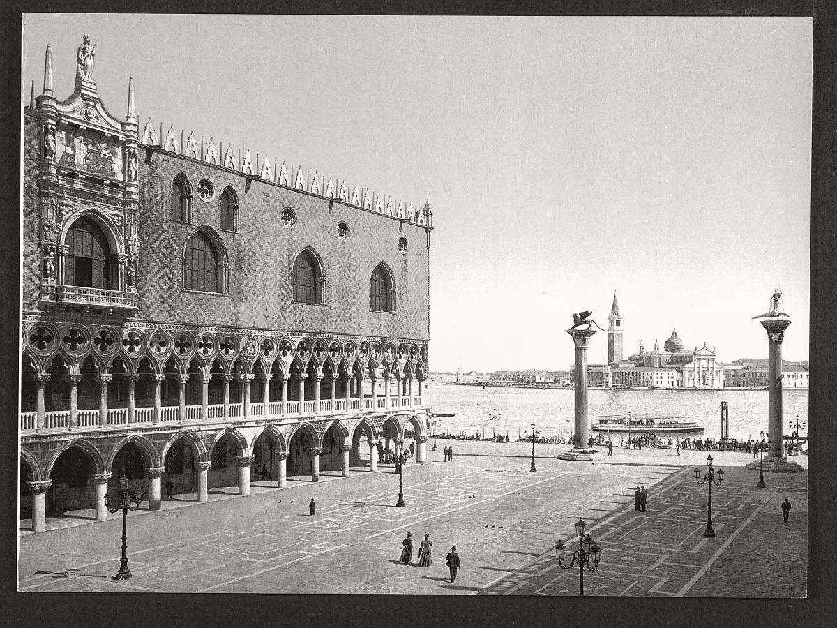 historic-bw-photos-of-venice-italy-in-19th-century-02