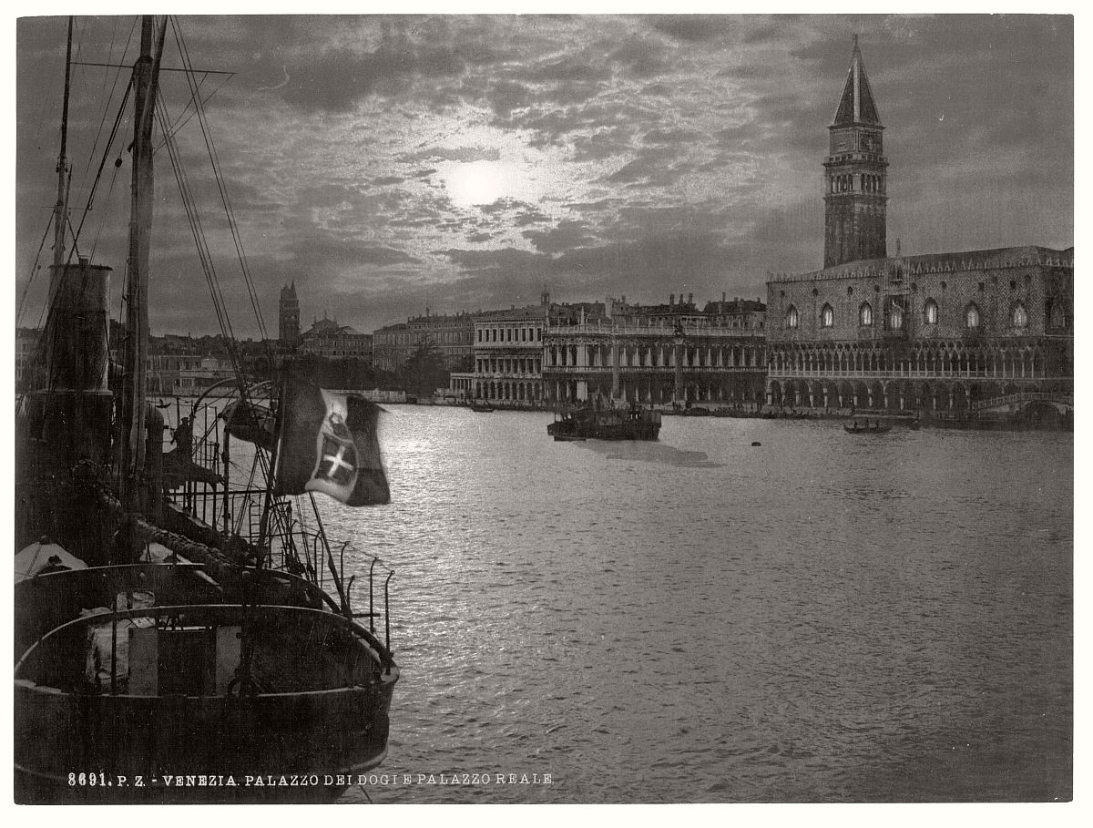 historic-bw-photos-of-venice-italy-in-19th-century-15