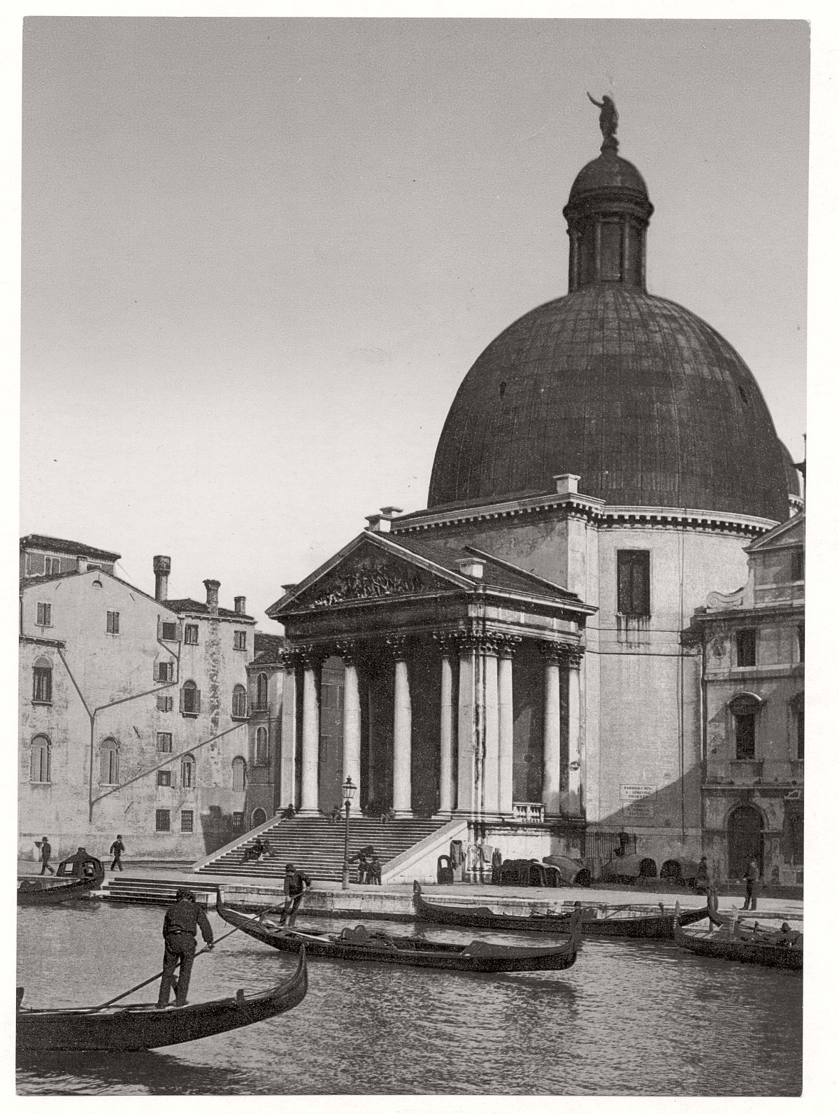 historic-bw-photos-of-venice-italy-in-19th-century-19