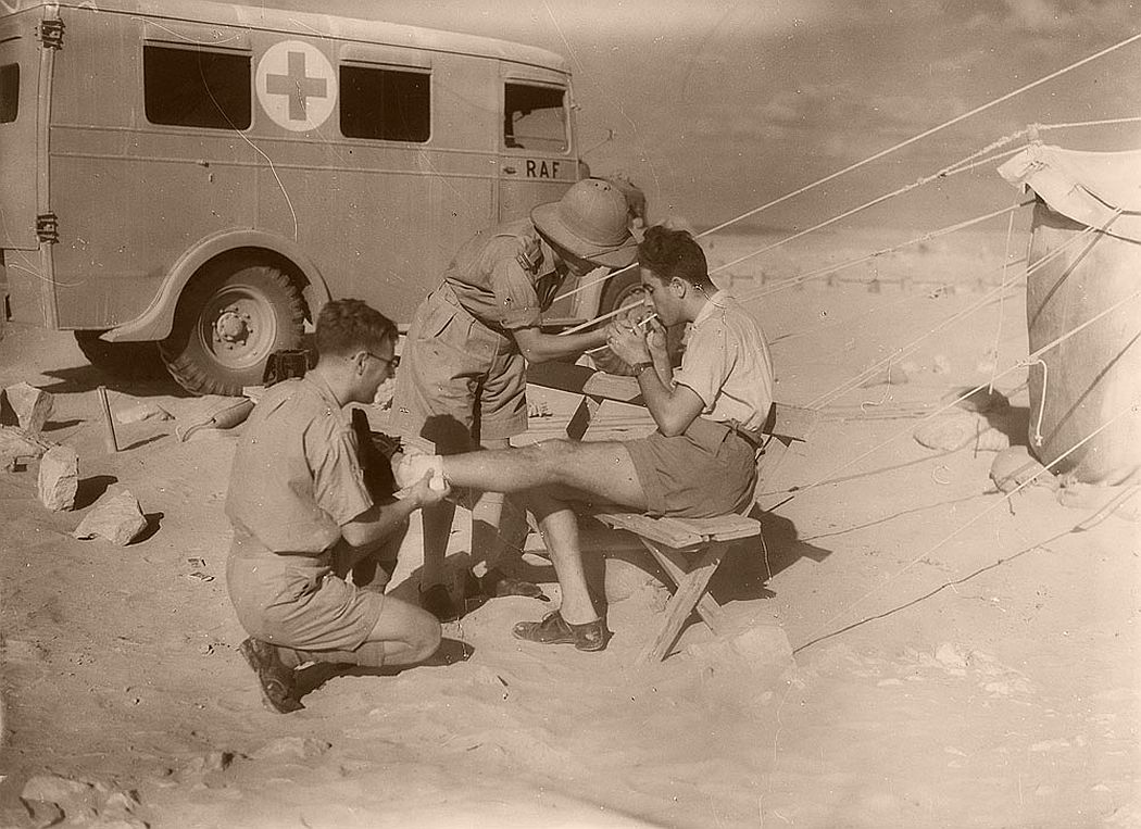historic-world-war-ii-photos-of-troops-in-north-africa-late-1940-01