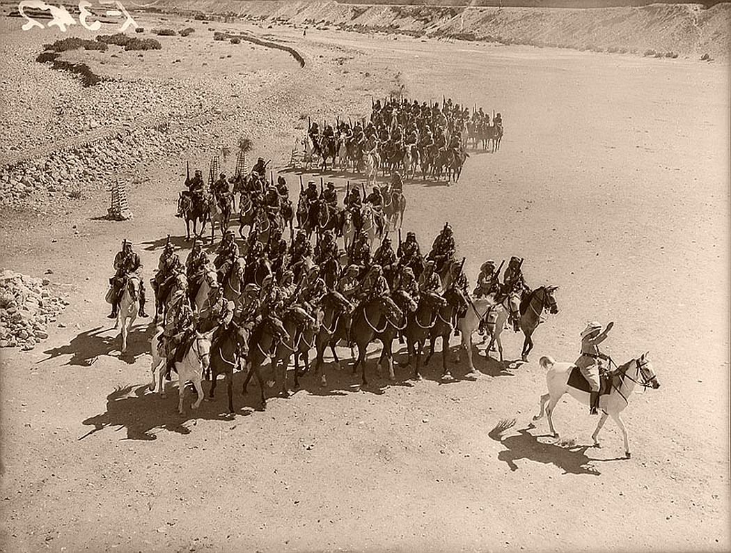 historic-world-war-ii-photos-of-troops-in-north-africa-late-1940-08
