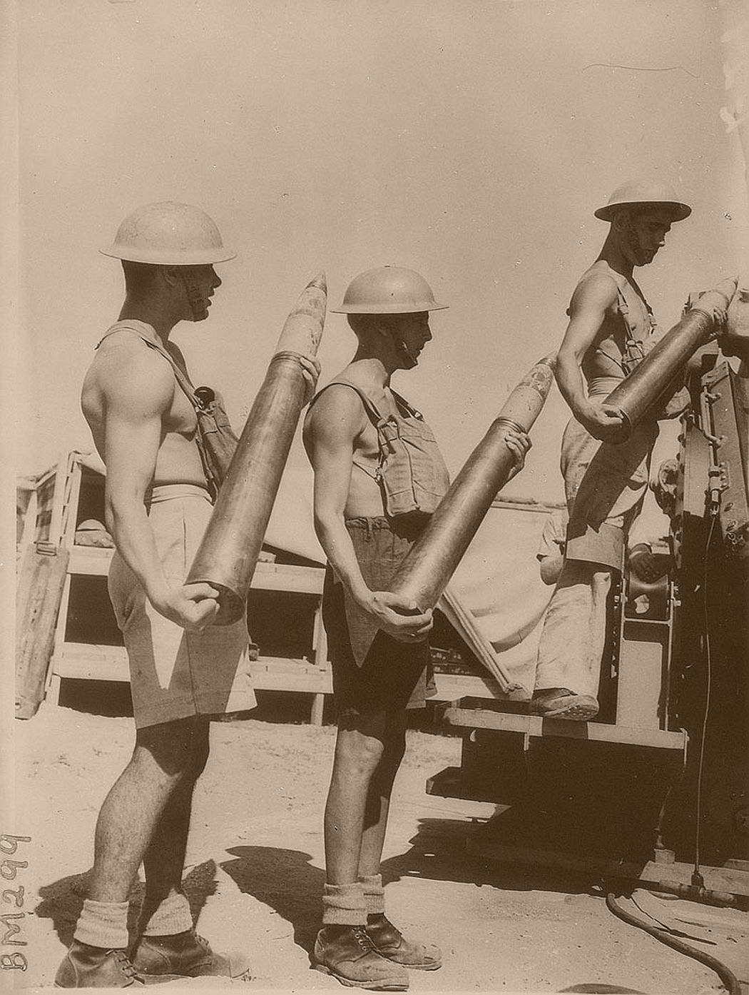 historic-world-war-ii-photos-of-troops-in-north-africa-late-1940-09
