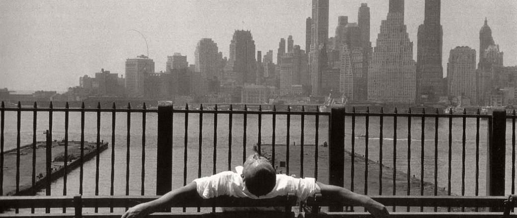 Biography: Street photographer Louis Stettner