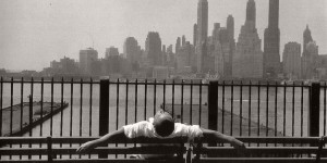Biography: Street photographer Louis Stettner