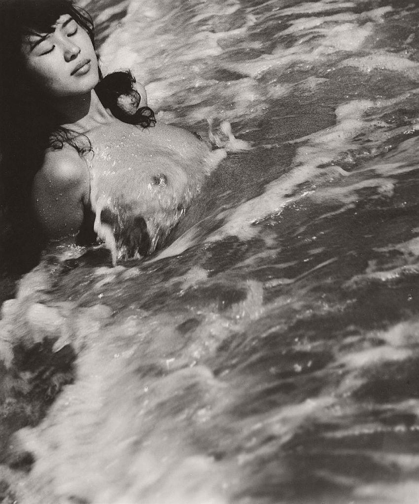 Nude photographer Iwase Yoshiyuki