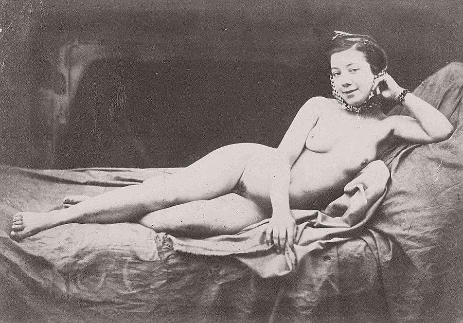 nude-photographer-julien-vallou-de-villeneuve-03