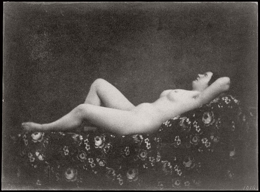 nude-photographer-julien-vallou-de-villeneuve-05