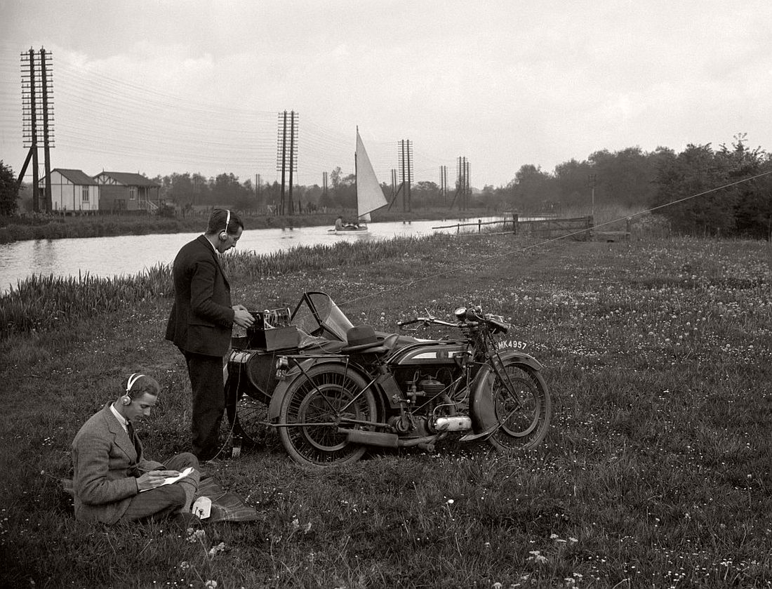 old-classic-vintage-motorcycles-in-the-past-1920s-01