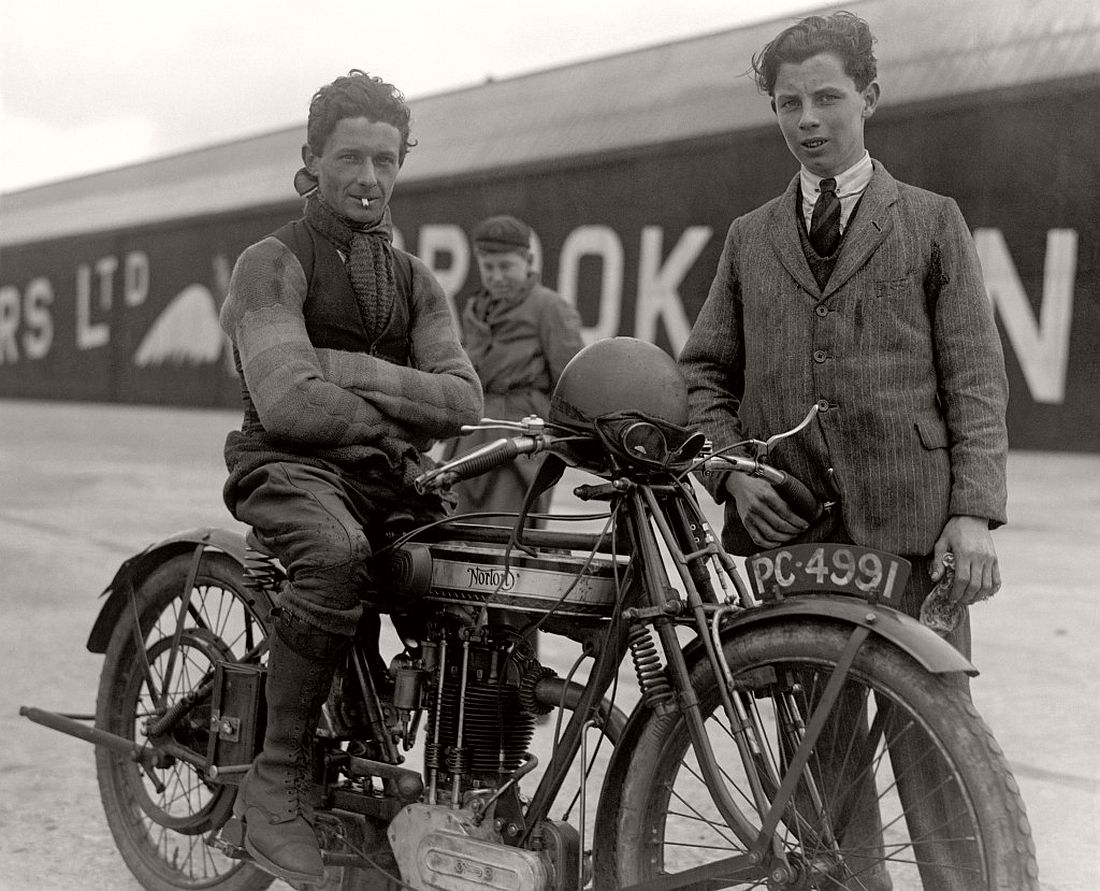 old-classic-vintage-motorcycles-in-the-p