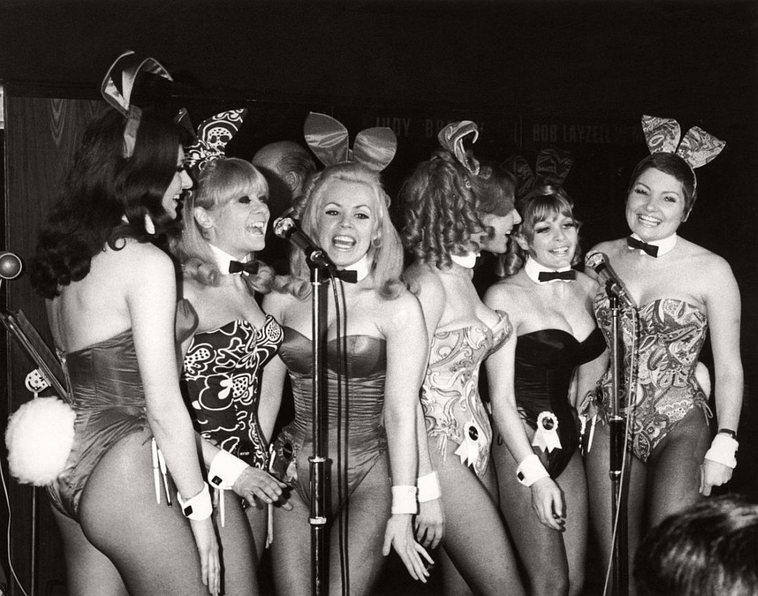 playboy-playmate-vintage-bunny-costumes-1960-past-05