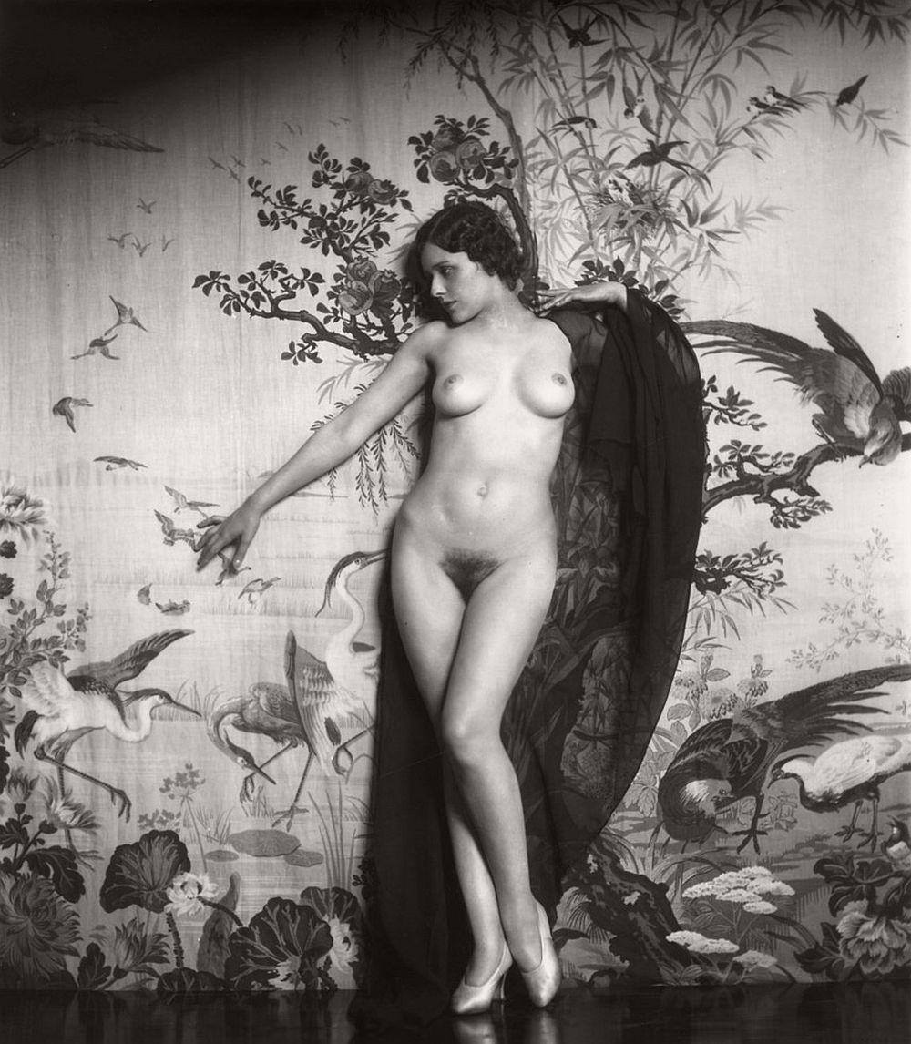 nude vintage girl