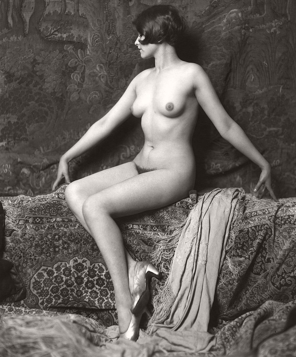 Vintage young woman nude seen