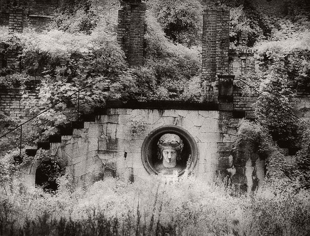 surreal-architecture-photographer-simon-marsden-09
