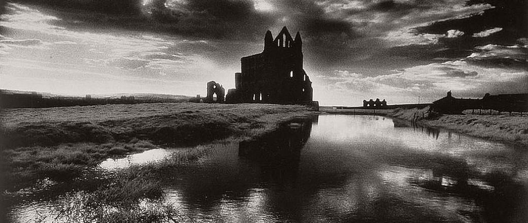 Biography: Surreal Architecture photographer Simon Marsden