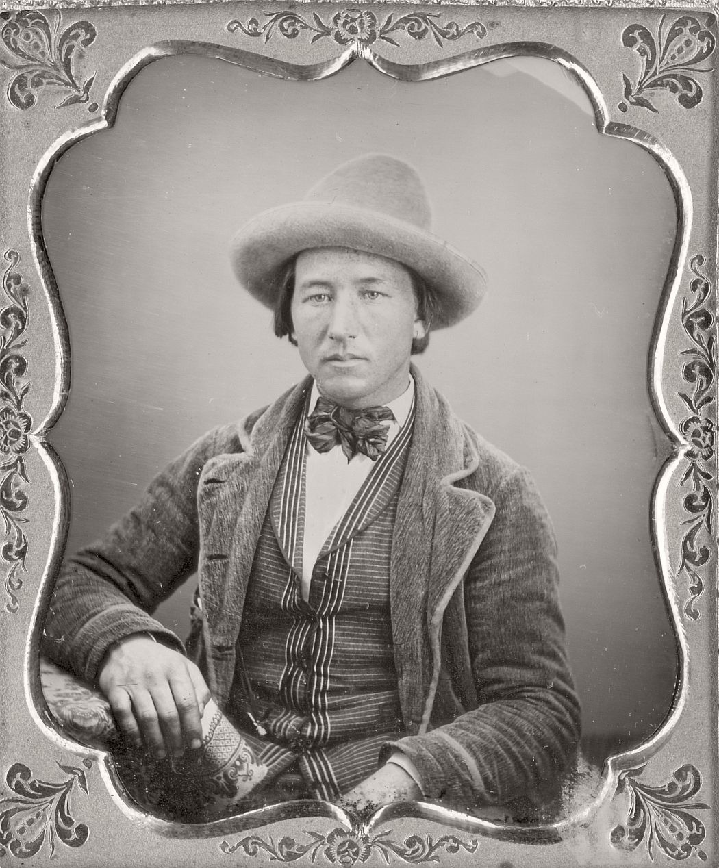 victorian-era-daguerreotype-of-men-in-hat-1850s-xix-century-09