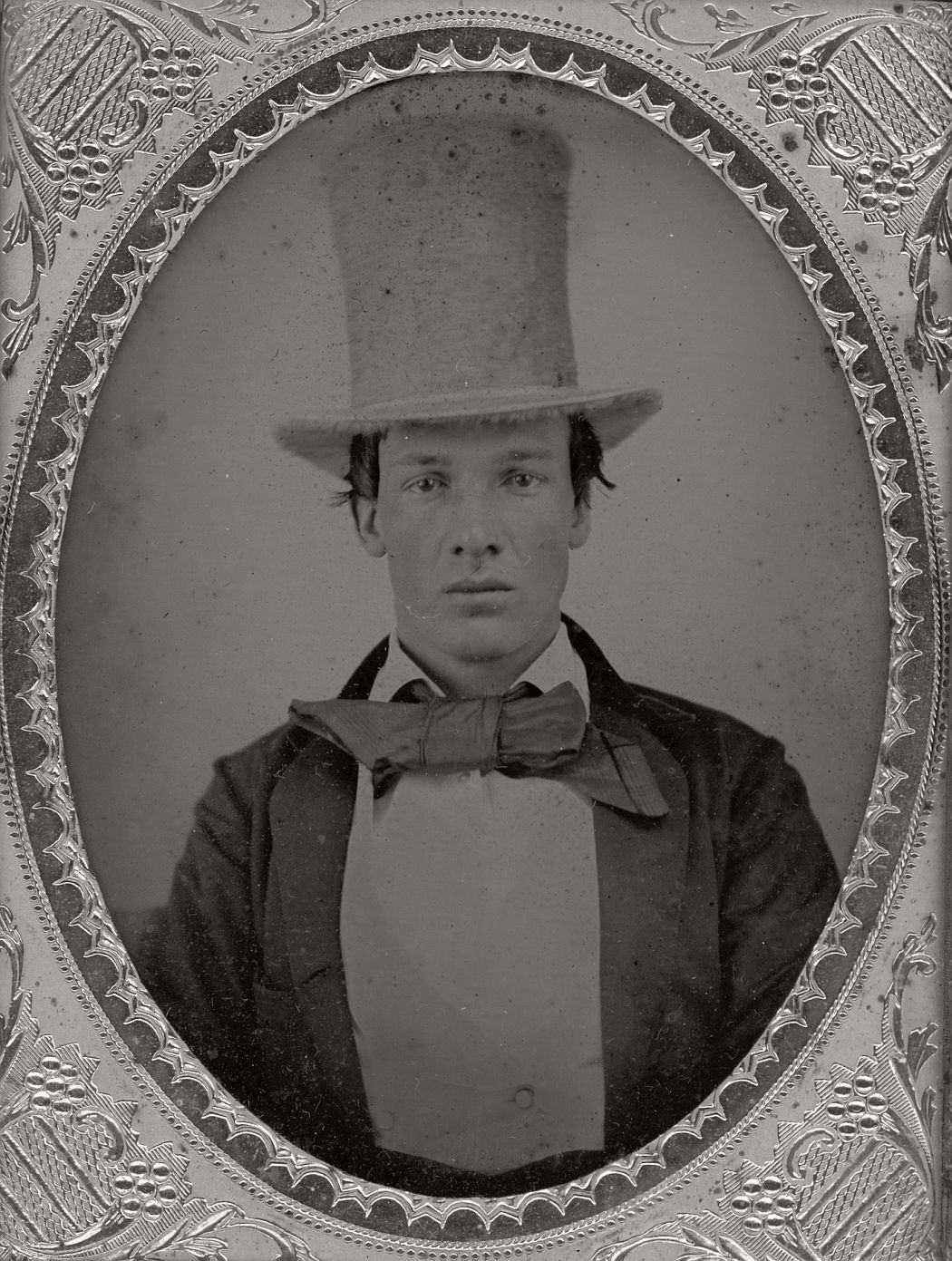 victorian-era-daguerreotype-of-men-in-hat-1850s-xix-century-10