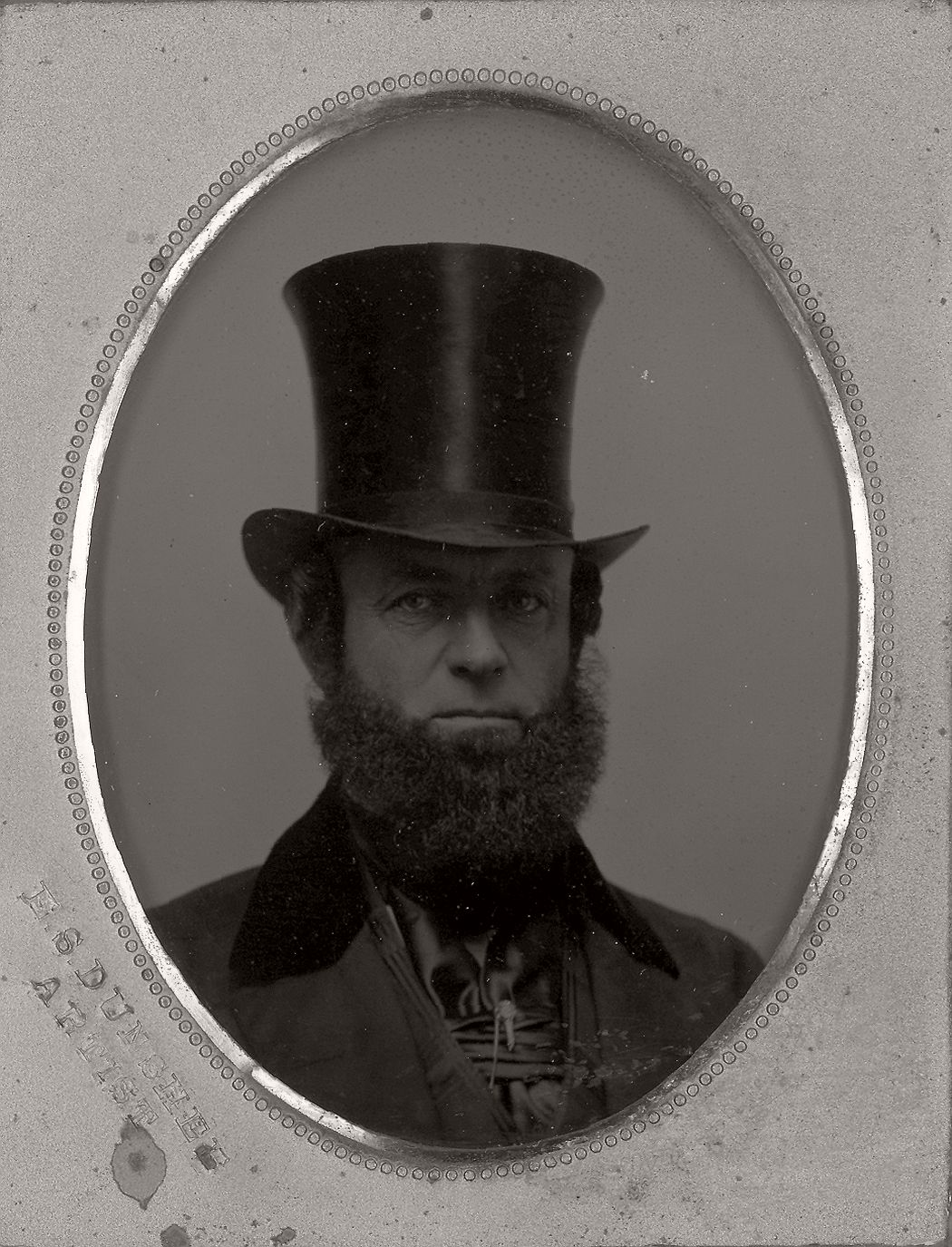 victorian-era-daguerreotype-of-men-in-hat-1850s-xix-century-18