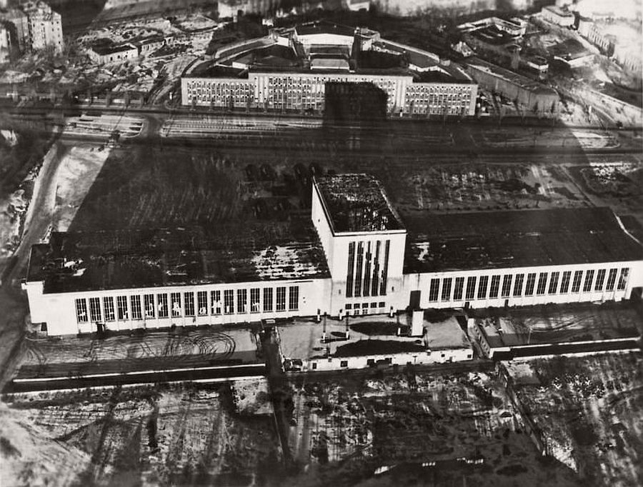 vintage-aerial-photos-of-berlin-germany-after-world-war-ii-1945-hein-gorny-13