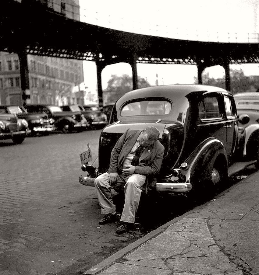 vintage-black-and-white-photos-of-city-life-in-new-york-city-by-fred-stein-1940s-12