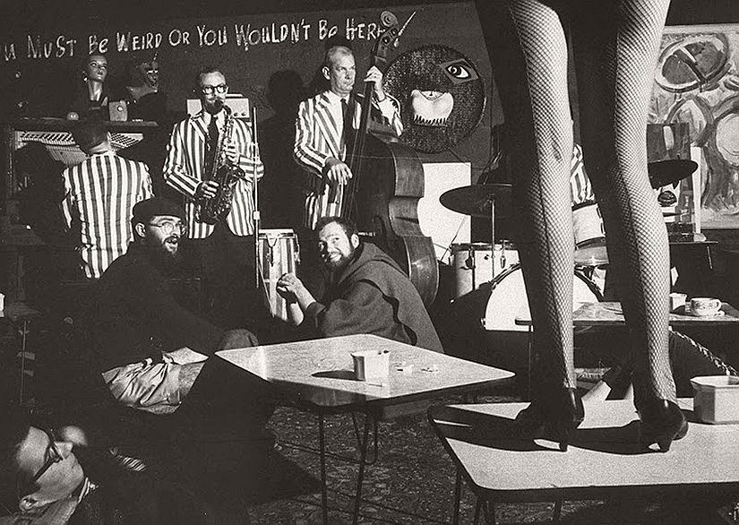 vintage-bw-models-wearing-nylon-stockings-pantyhose-1940s-1950s-06