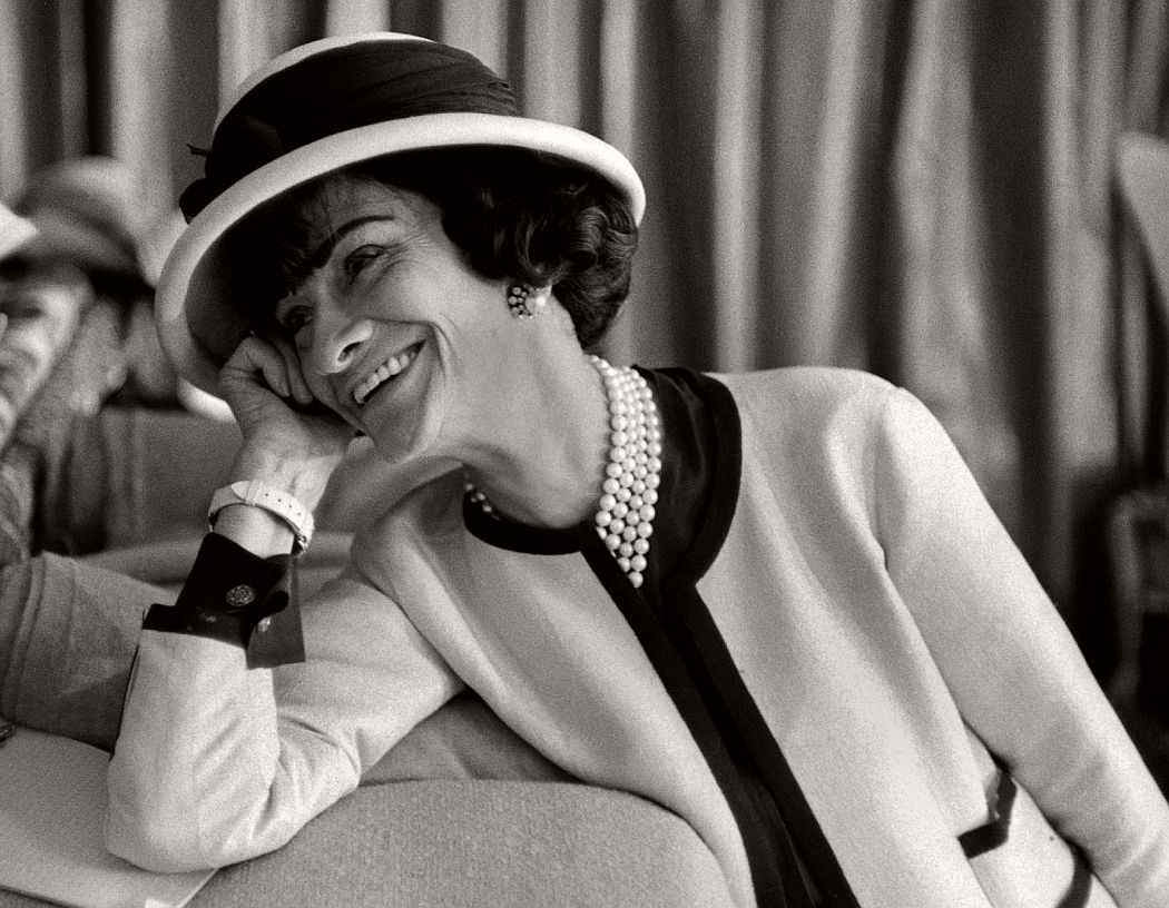 vintage-bw-photos-of-fashion-icon-gabrielle-coco-chanel-1962-douglas-kirkland-01