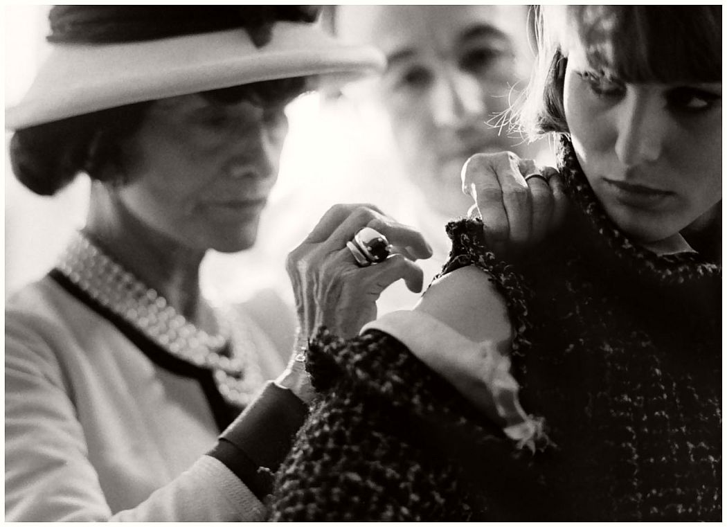 vintage-bw-photos-of-fashion-icon-gabrielle-coco-chanel-1962-douglas-kirkland-04