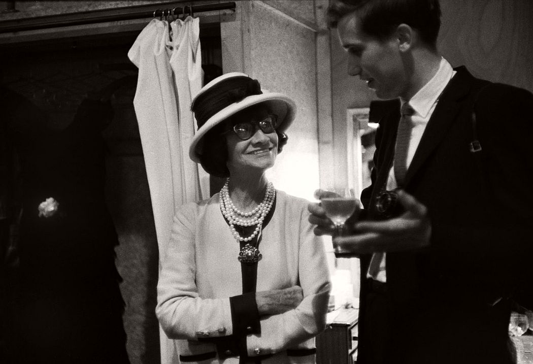 vintage-bw-photos-of-fashion-icon-gabrielle-coco-chanel-1962-douglas-kirkland-20